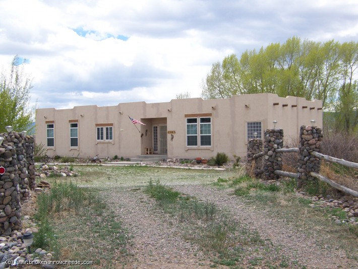 Two Wonderful Homes Log Cabin Amp Southwest Style Modular On 2 80 Acres In Plaza Area